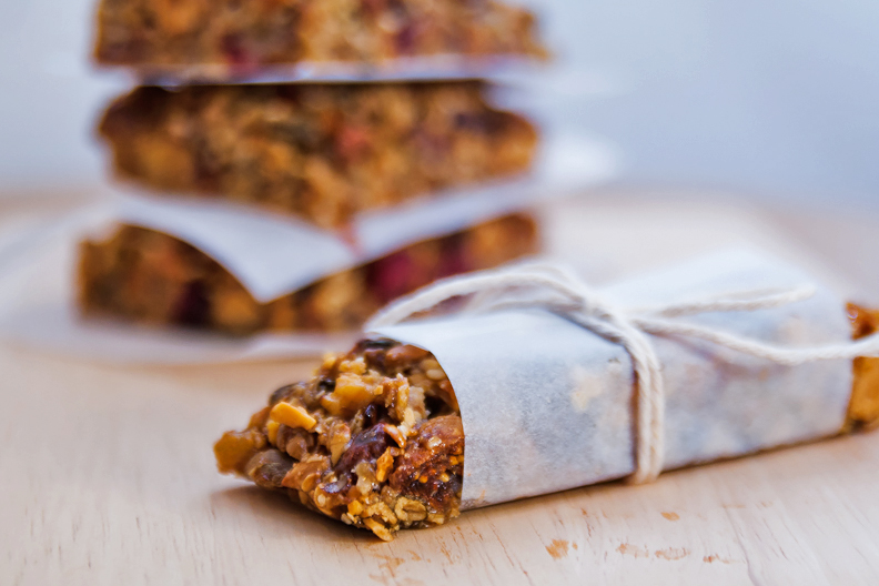Healthy Fruit and Nuts Energy Oat Bars