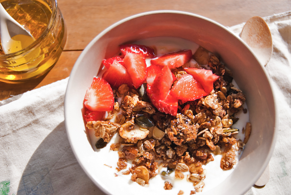 Granola with almonds, pecans and cinnamon