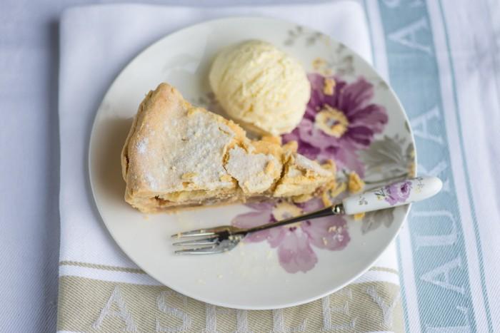 Marzipan-Apple-Pie-Mondomulia-5-2
