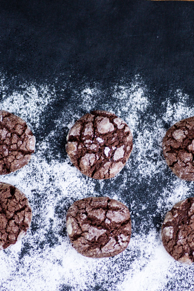 Christmas Chocolate Crackle Cookies