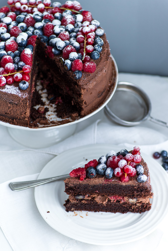 Chocolate-Berries-Birthday-Cake--5