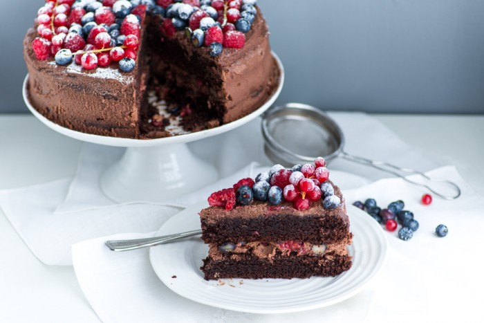Chocolate-Berries-Birthday-Cake--7