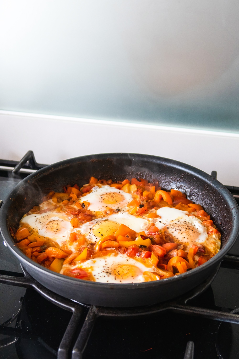Shakshuka (Shakshouka) by Yotam Ottolenghi Plenty Cookbook