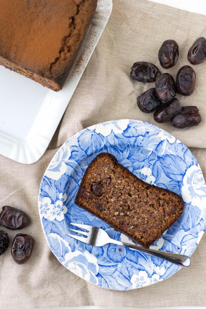 Paleo Baking: Date and Almond Bread | Recipe and photography by Giulia Mule - Mondomulia