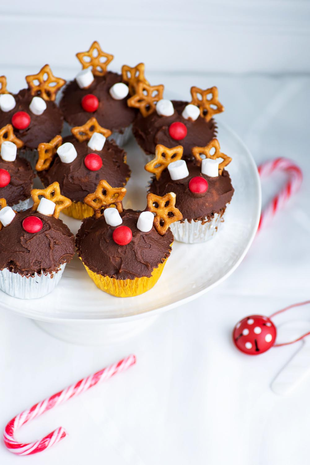 Christmas Reindeer Vanilla Cupcakes with Chocolate Buttercream Frosting