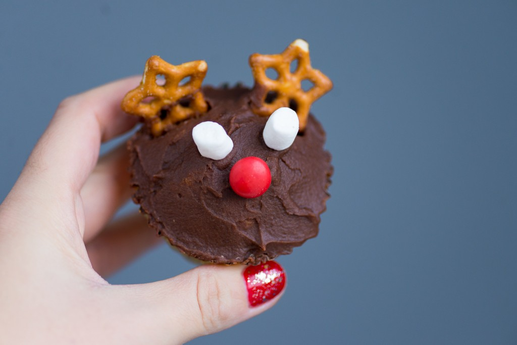 Christmas Reindeer Vanilla Cupcakes with Chocolate Frosting