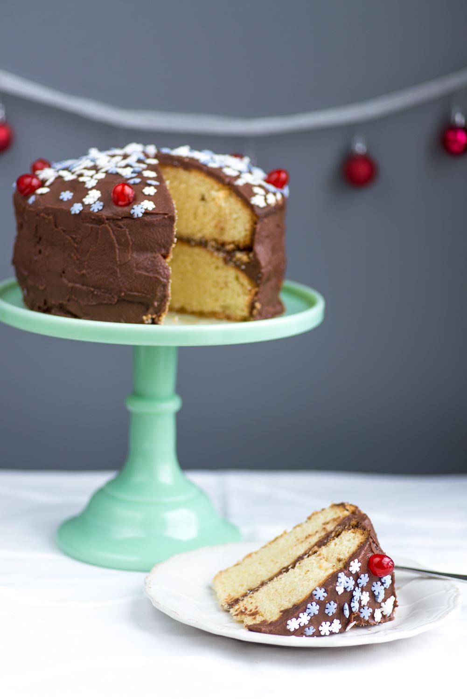 Vanilla-Cake-Chocolate-Icing-4