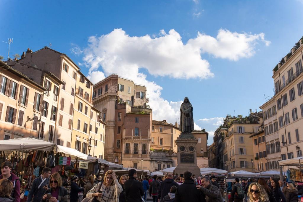 Walking-in-Rome-10