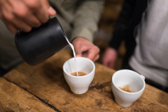 Latte Art Class at Artisan Coffee School, Ealing | Mondomulia
