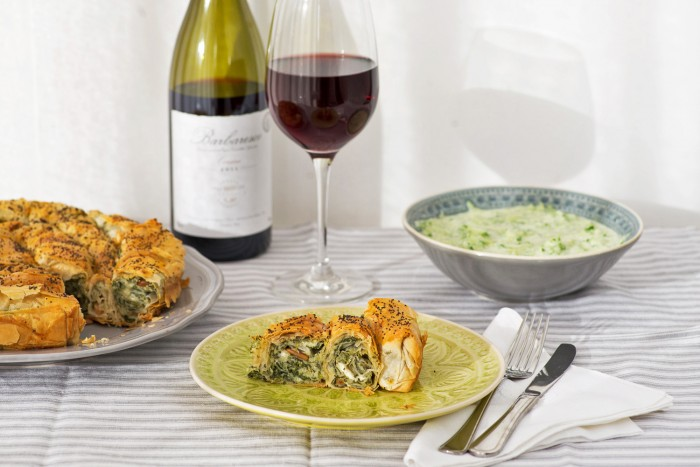 Spanakopita: Greek Veggie Roll with crumbled feta, ricotta, spinach, pine nuts and filo pastry | Mondomulia