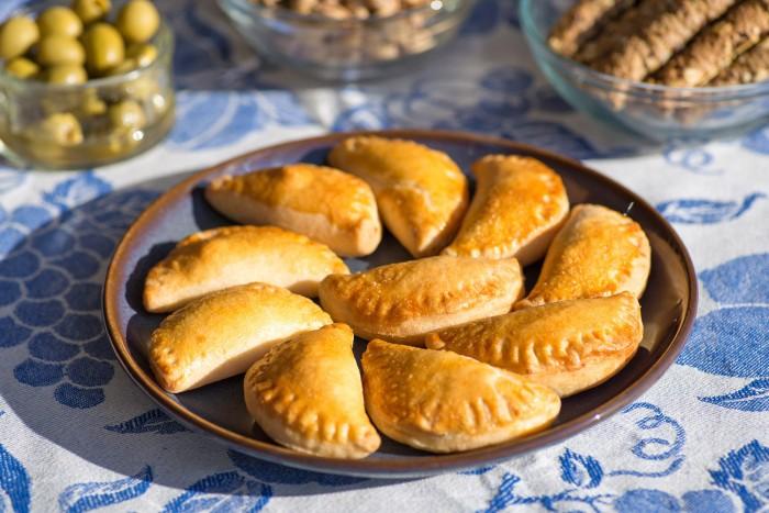 Tiropitakia-Greek-Cheese-Pies-3