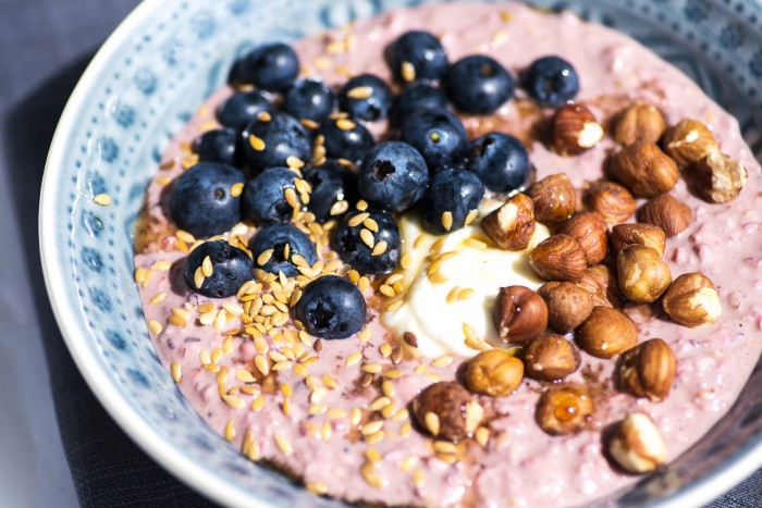 MOMA-Blueberry-Hazelnut-Bircher-Muesli-2