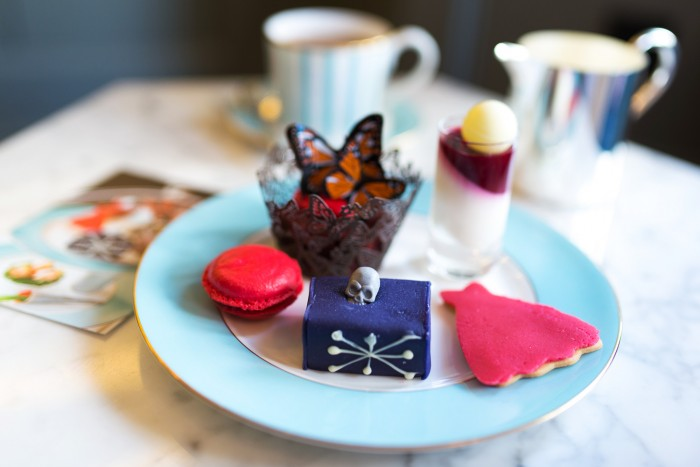 McQueen-Afternoon-Tea-Kensington-Hotel-15