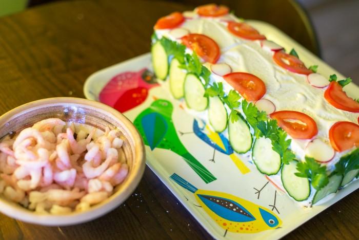 Swedish-Sandwich-Cake-Midsummer-11