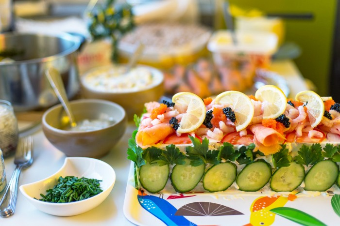 Swedish-Sandwich-Cake-Midsummer-16