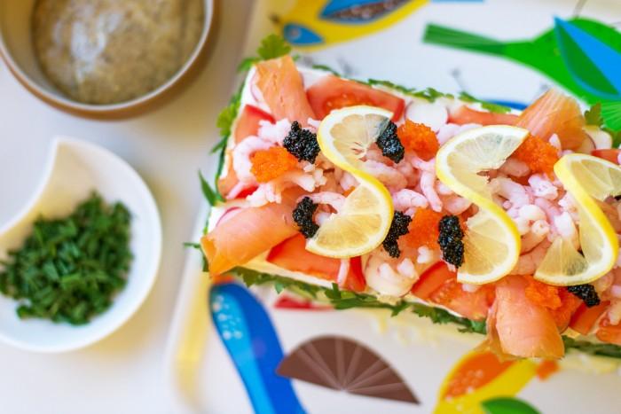 Swedish-Sandwich-Cake-Midsummer-17