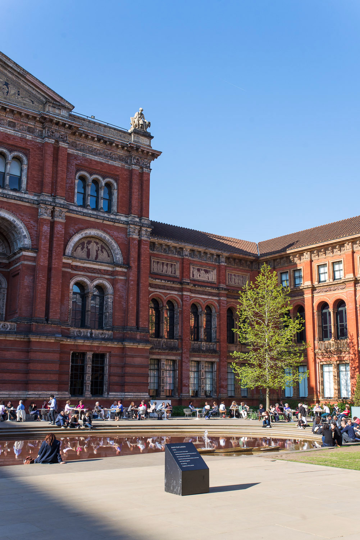 Victoria-And-Albert-Museum-London-1