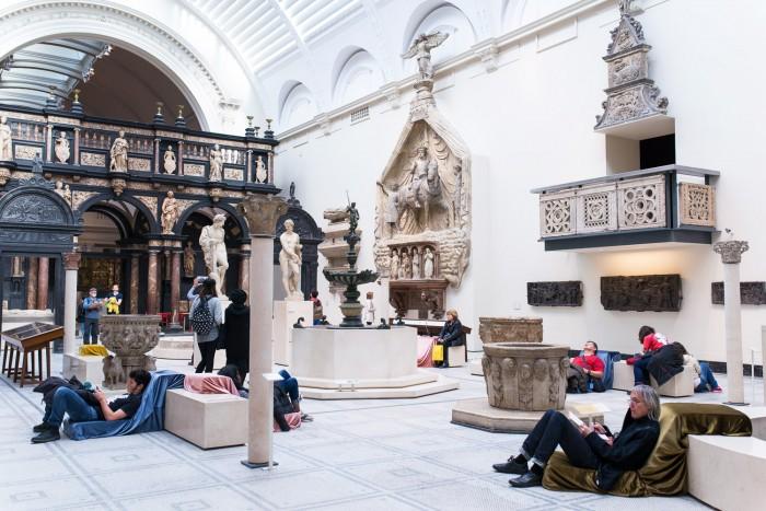 Victoria-And-Albert-Museum-London-6