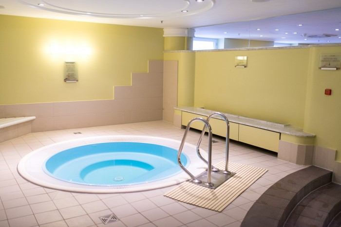 Westin-Grand-Berlin-Pool-Spa-1