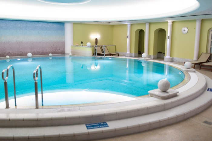 Westin-Grand-Berlin-Pool-Spa-2