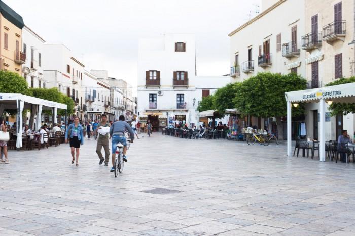 Town-Favignana-Sicily-1