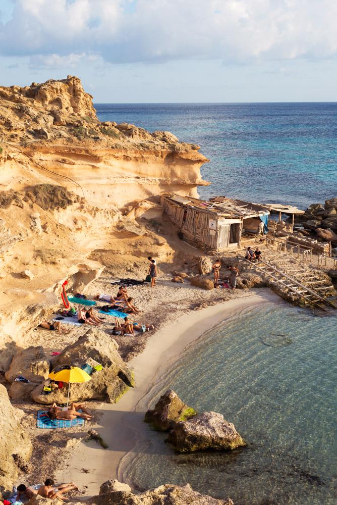 Es-Calo-Des-Morts-Formentera-1