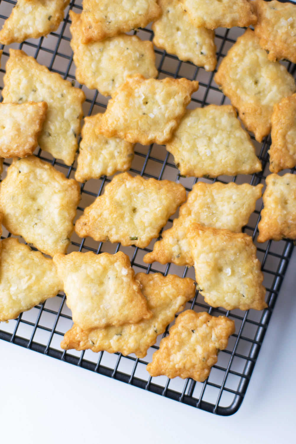 Parmesan-Rosemary-Crackers-8