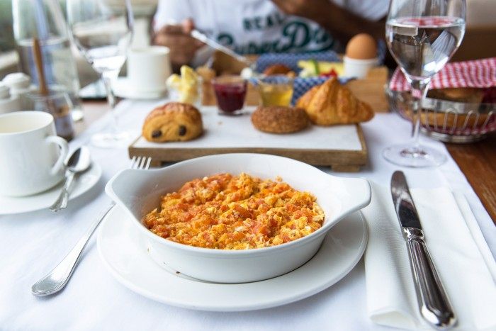 Mememen, Turkish scrambled eggs for breakfast at Georges Galata hotel   How to spend a perfect day in Istanbul   Mondomulia