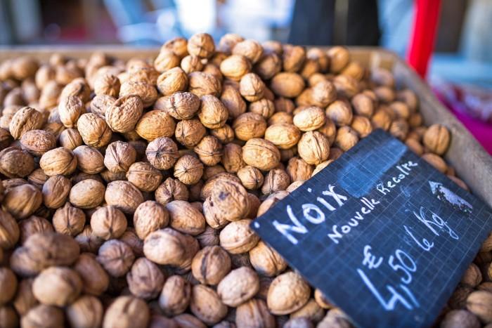 sarlat-food-market-dordogne-france-4