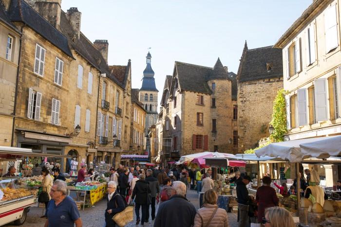 sarlat-food-market-dordogne-france-5