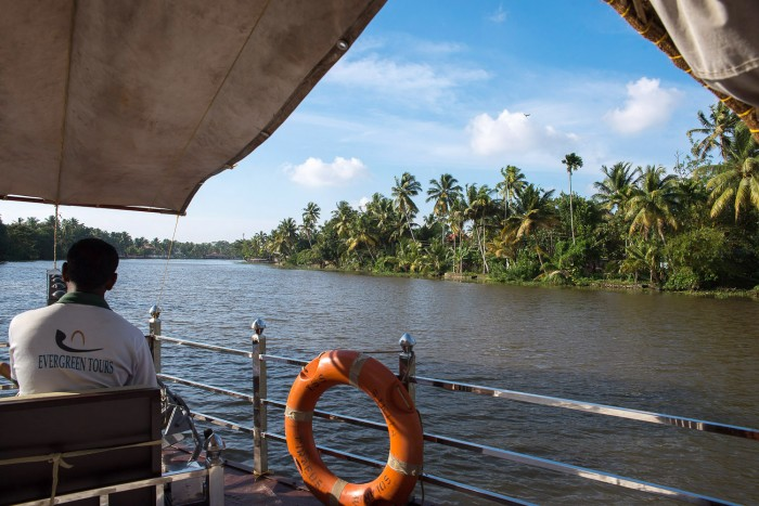Backwaters-Alleppey-Kerala-India-10
