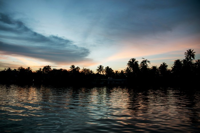 Backwaters-Alleppey-Kerala-India-18