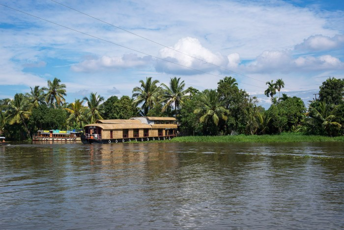 Backwaters-Alleppey-Kerala-India-2