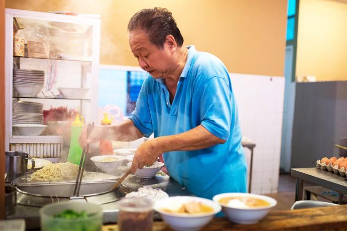 uncle-toms-noodles-kuching-1
