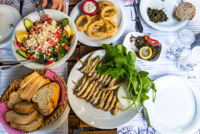 Lunch at Kadi Nimet Balikcilik, a fish restaurant in Kadıköy on the Asian side of Istanbul | How To Spend a Perfect Day in Istanbul | Mondomulia