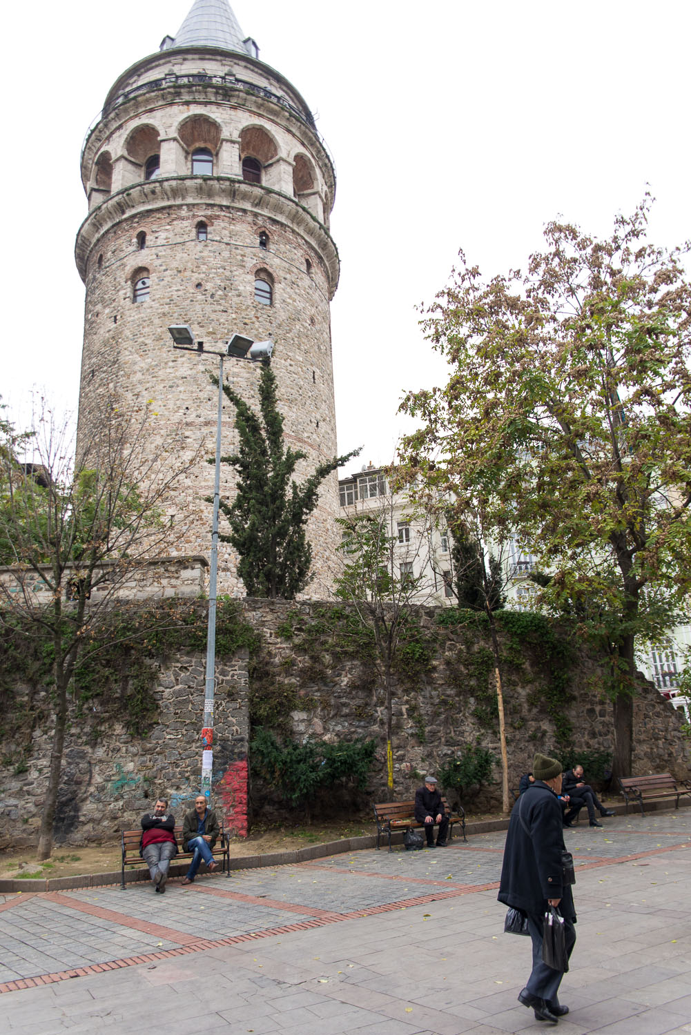 Galata Tower in the Galata/Karaköy quarter of Istanbul | How to spend the perfect day in Istanbul | Mondomulia