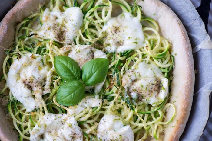 Courgette-Mozzarella-Deep-Dish-Pizza-17