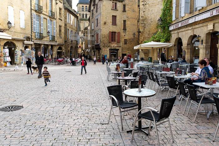 Sarlat-Perigord-Noir-Dordogne-9