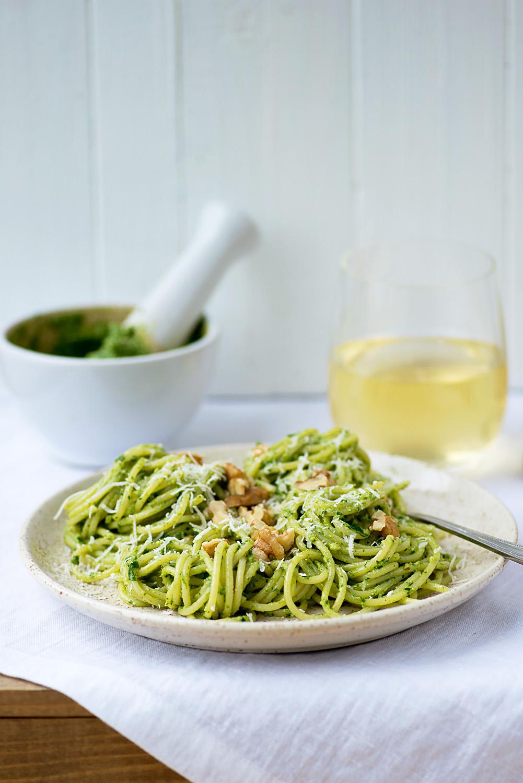 Spaghetti Barilla with Rocket and Walnut Pesto [recipe and photography by Mondomulia]