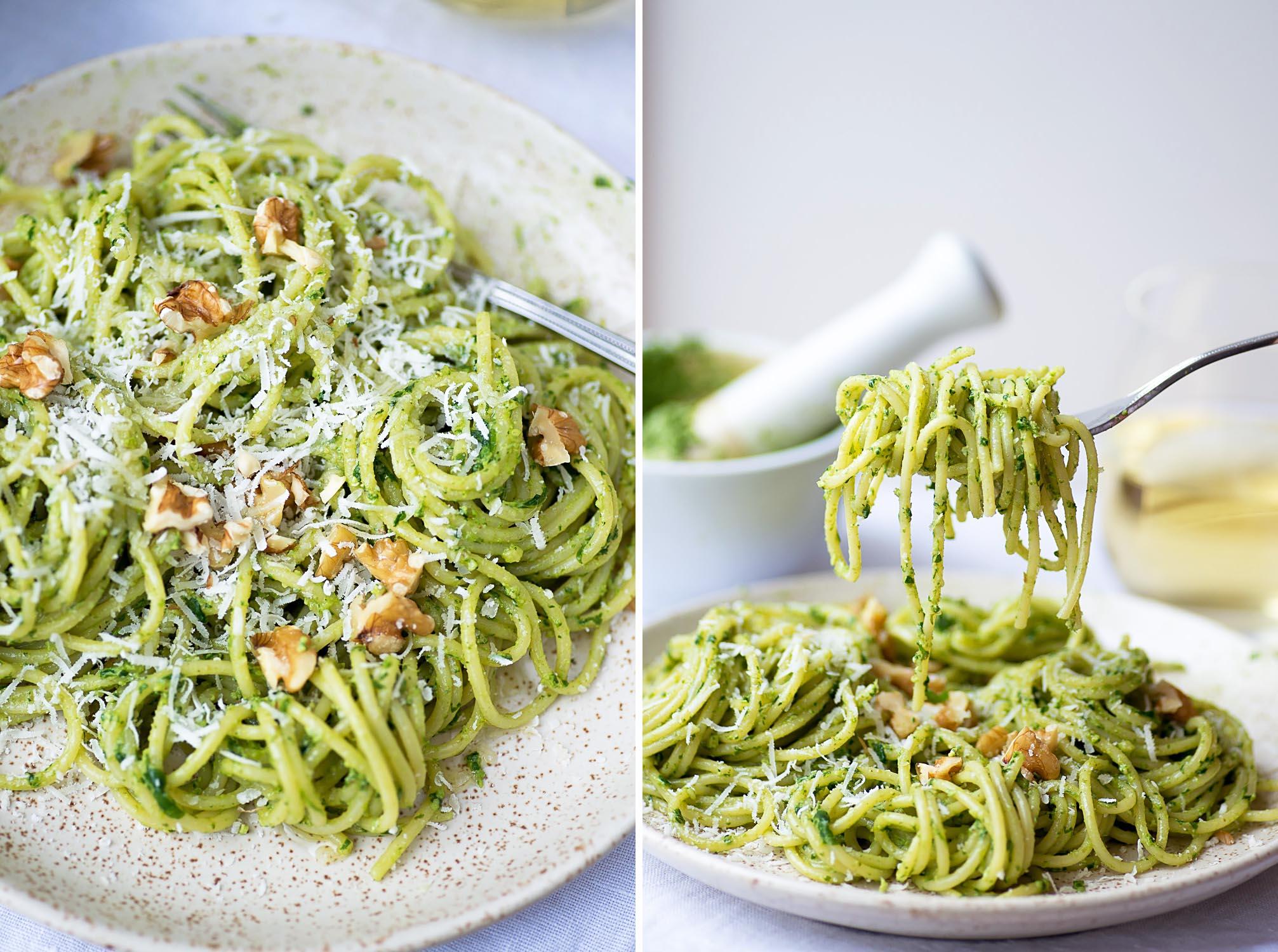 Spaghetti with Rocket and Walnut Pesto [recipe and photography by Mondomulia]