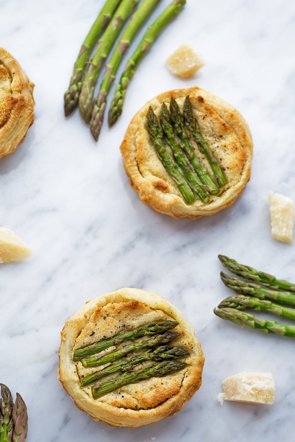 A Delicious Vegetarian Recipe Idea: Puff Pastry Tarts with Asparagus, Almond and Grana Padano Cheese