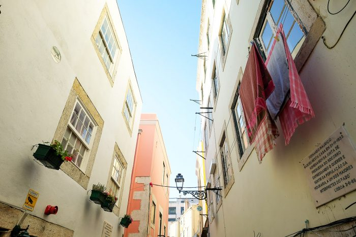 Downtown Lisbon and Mouraria Food Tour with Taste of Lisboa