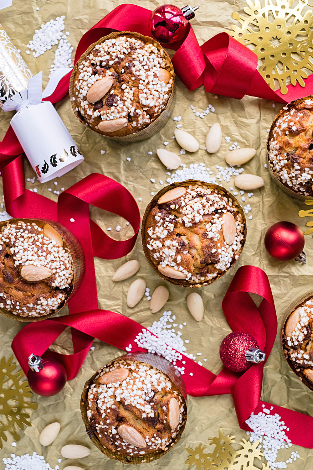 Mini Panettone Christmas Cakes {Martha Stewart recipe - photography by Mondomulia}