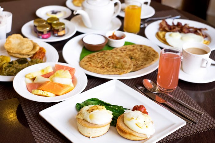 Breakfast at Mughal Pavillion restaurant, ITC Mughal Hotel Agra