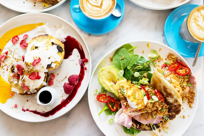 Coffee and Brunch at Timmy Green, Nova Victoria