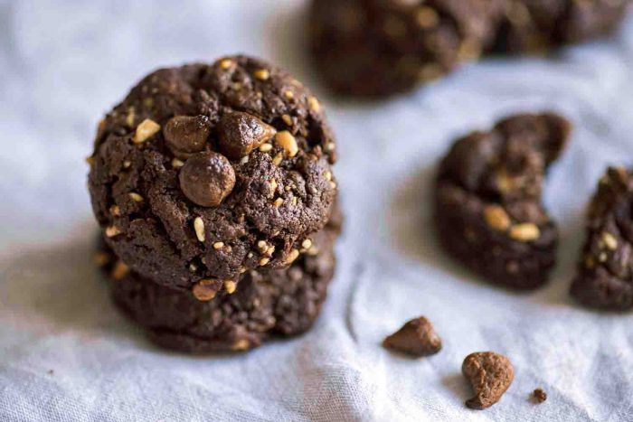 Flourless Cocoa Peanut Butter Cookies with Milk Chocolate Chips