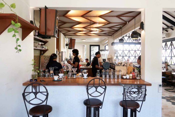 Hungry Bird Canggu - My Top 12 Speciality Coffee and Brunch Shops in Bali | A Guide of Bali | Mondomulia