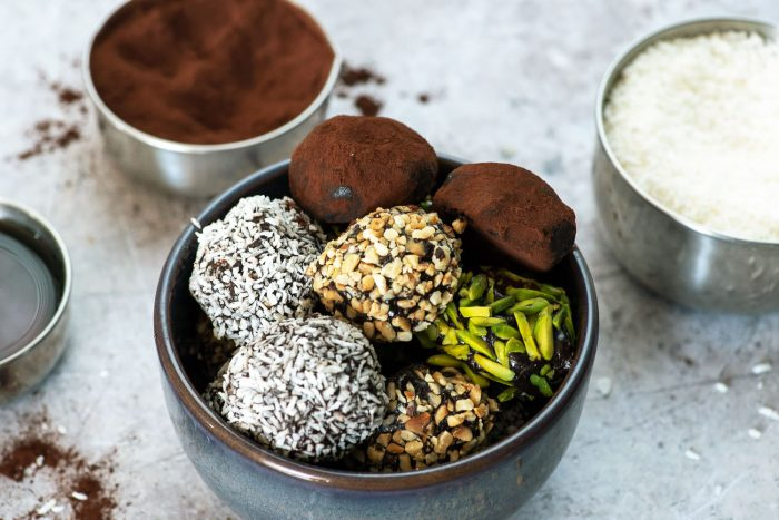 No-Bake Almond Butter and Cacao Energy Balls | Paleo, gluten-free, dairy-free and vegan