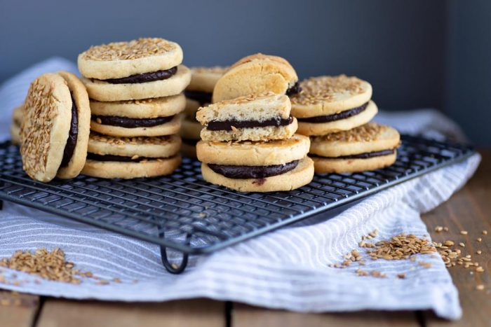 Tahini shortbread cookies with salted honey chocolate ganache | Recipe by Edd Kimber at The Boy Who Bakes | Photography by Mondomulia