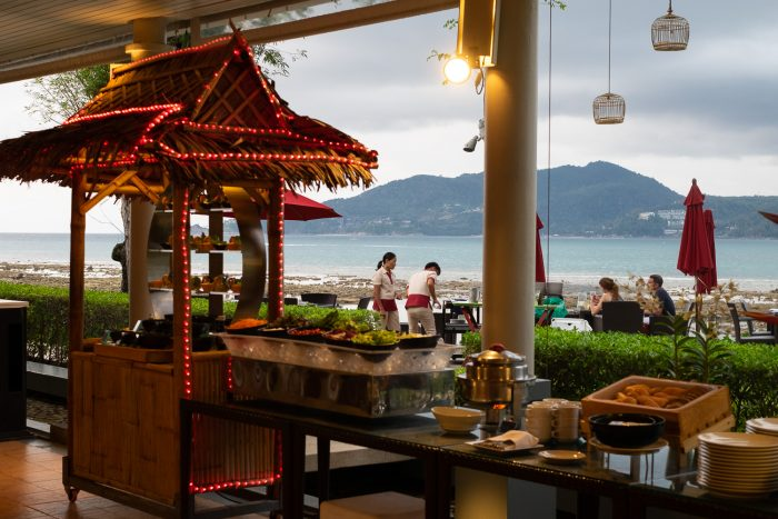 Seafood Buffet, Rim Talay restaurant at Amari Phuket, Thailand | How To Spend 3 Amazing Days in Phuket by Mondomulia